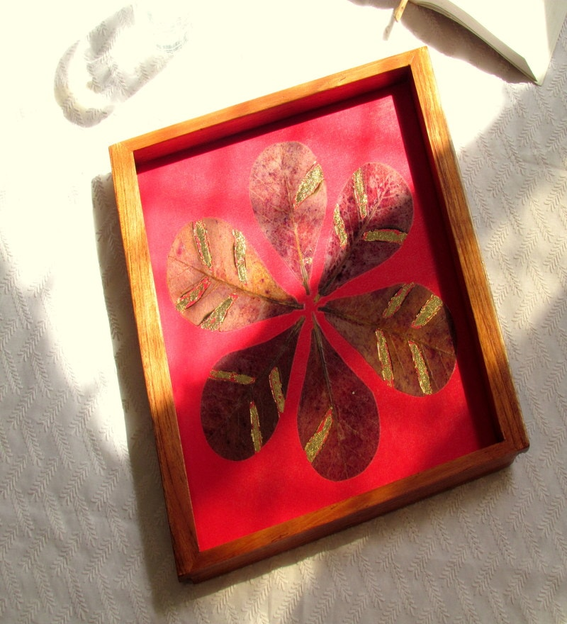 Aamori Almond Leaf Red Wooden Serving Tray
