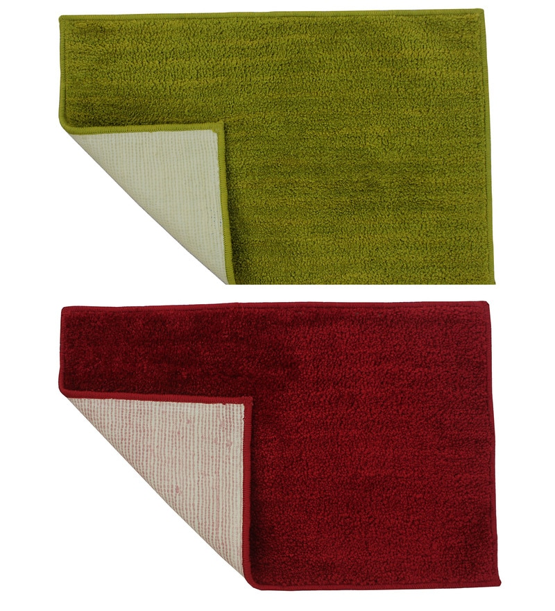 Green & Red Cotton Bath Mat - Set of 2 by Azaani