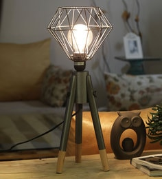 Black Metal Table Tripod Lamp