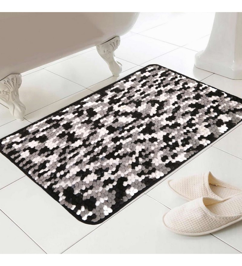 Black Micro Fibre 16 x 24 Inch Bath Mat by Skipper