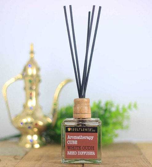 Cube White Oudh Reed Diffuser
