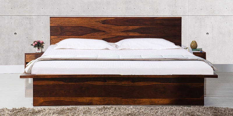 Duvall King Bed with Two Bedside Tables in Honey Oak Finish by Woodsworth