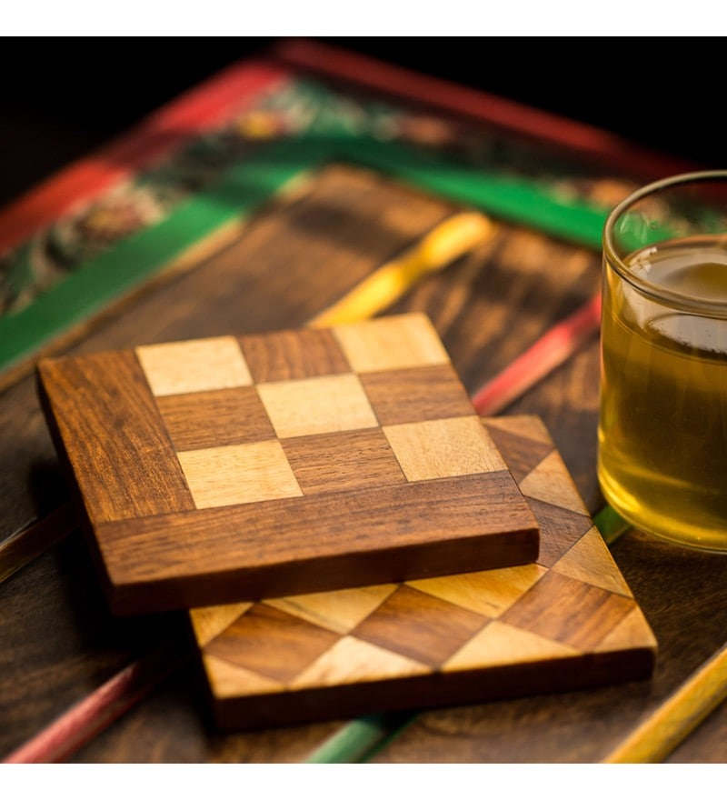 Exclusivelane Chess Patterned Brown Recycled Wood Coasters - Set of 2