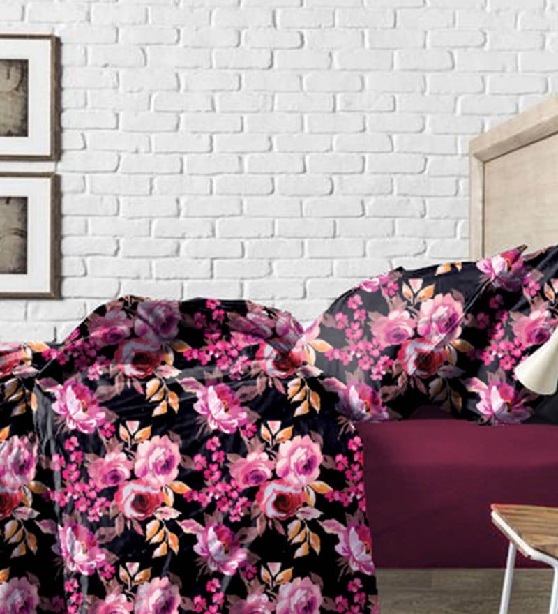 Maroon and Black Cotton Bed in a Bag Bedding Set by Haus and Sie