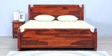 Louis Queen Bed With Storage In Honey Oak Finish