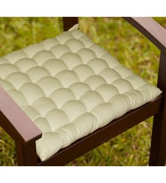Lushomes Off White Cotton 16 X 16 Inch Chair Cushion With 36 Knots & 4 Tie Backs