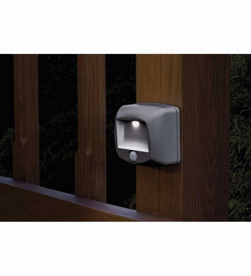MB520 Battery-Operated Indoor/Outdoor Motion-Sensor LED Step/Stair Light,Brown by Mr Beams