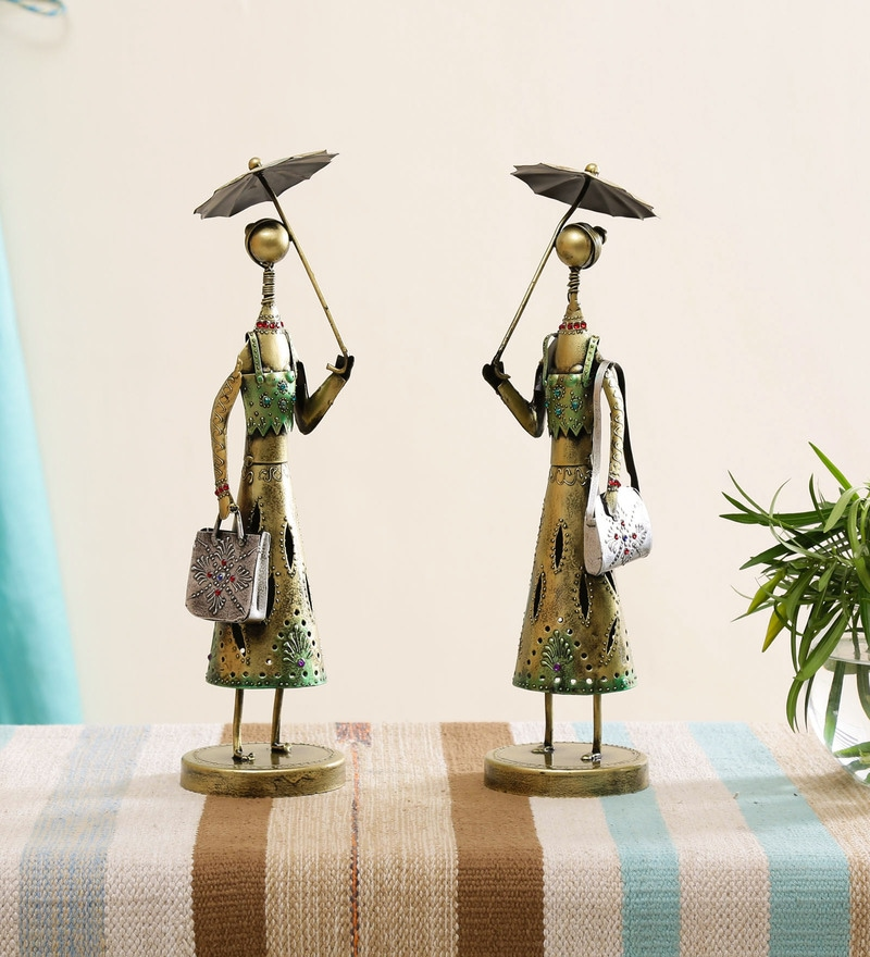 Working Lady with Umbrella Showpiece Set