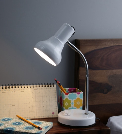 Off White Metal Desk Lamp By New Era
