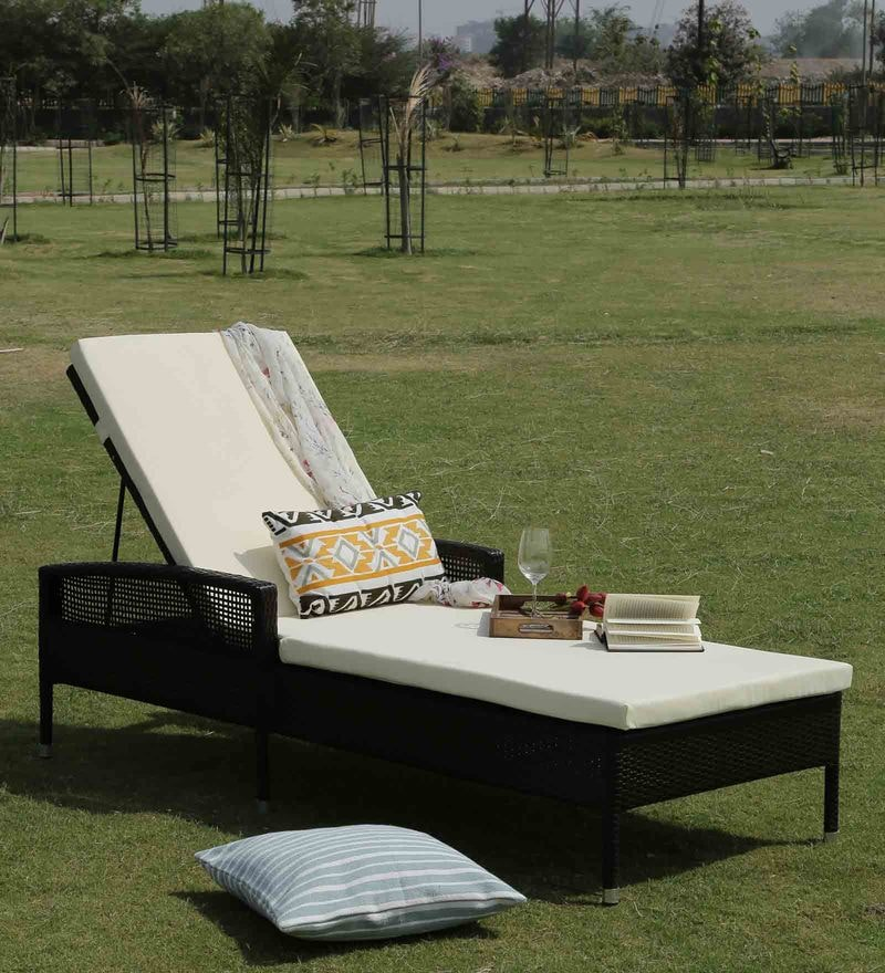 Outdoor Lounger with Cushion by Svelte