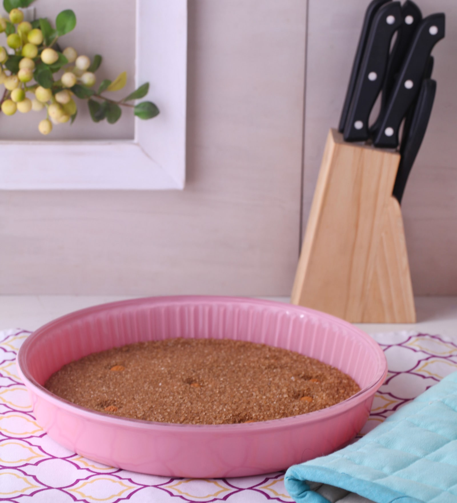 Pasabahce Ovenware Pink Glass Round Tray
