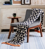 Black Cotton Triangulos Throw