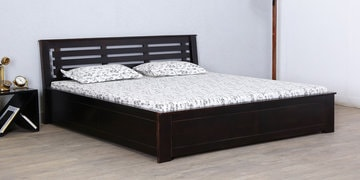 Lynnwood Queen Bed With Box Storage In Warm Chestnut Finish
