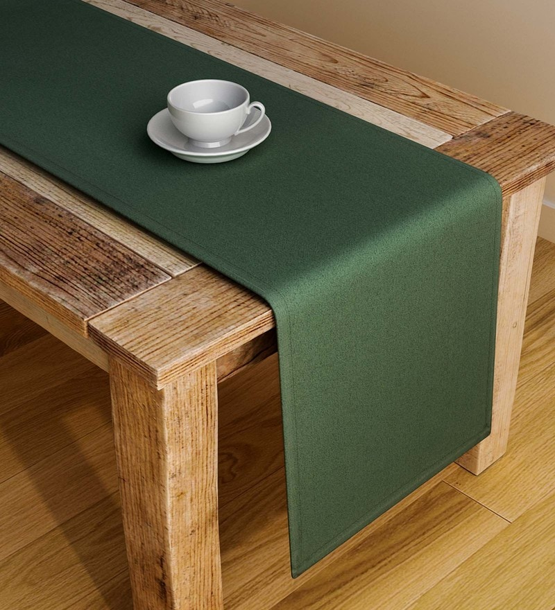 S9Home by Seasons Plain Green Polyester Table Runner