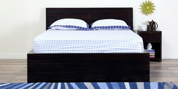 Segur Queen Bed With Box Storage In Warm Chestnut Finish