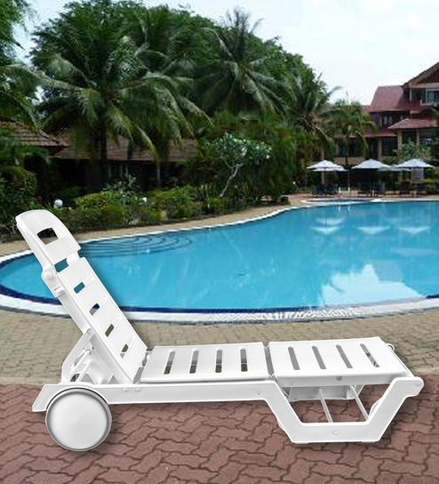Swing Luxury Sunlounger With Wheels In White Colour