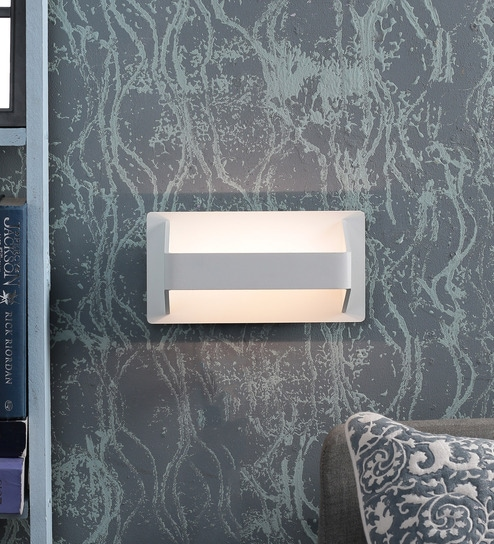 White Aluminium Wall Light by Kapoor E Illuminations