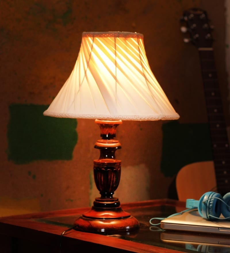Offwhite pleated Table Lamp by The Light House