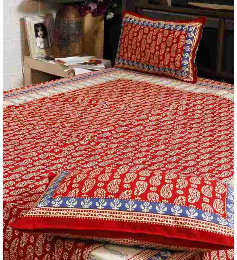 Unravel India Red Cotton Bed Sheet With Pillow Covers Set Of 3 .