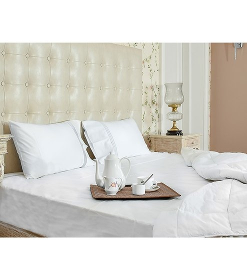 White 100% Organic Cotton Queen Size Bedsheet   Set Of 3 By Amouve