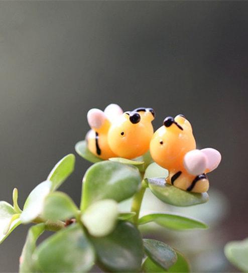 Buy Yellow Plastic Cute Honey Bee Garden Toy Showpiece